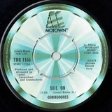 Sail On / Thumpin' Music - Commodores