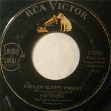 The Lion Sleeps Tonight / Tiina - The Tokens