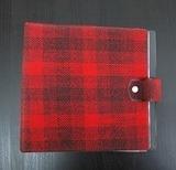 in rot-schwarzem Karomuster, für 20 Singles - Vintage Schallplattenalbum