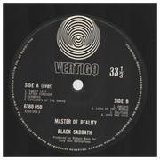 LP - Black Sabbath - Master Of Reality - Orig 1st UK Swirl / embossed box sleeve