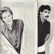LP - Daryl Hall & John Oates - Voices - embossed cover