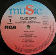 LP - David Bowie - The Rise And Fall Of Ziggy Stardust And The Spiders From Mars - France 82