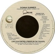 7'' - Donna Summer - Love Is In Control (Finger On The Trigger)