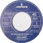7'' - Donna Summer - She Works Hard For The Money