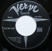 7inch Vinyl Single - Ella Fitzgerald And Louis Armstrong - The Nearness Of You - They Can't Take That Away From Me