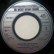 7inch Vinyl Single - Elton John & Millie Jackson - Act Of War