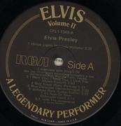 LP - Elvis Presley - A Legendary Performer Volume 2 - DIE CUT SLEEVE MISSING