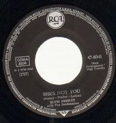 7inch Vinyl Single - Elvis Presley - She's Not You / Just Tell Her Jim Said Hello - german original