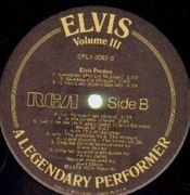 LP - Elvis Presley - A Legendary Performer - Volume 3 - BOOKLET
