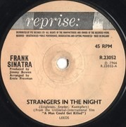 7inch Vinyl Single - Frank Sinatra - Strangers In The Night - Solid Center