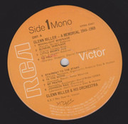 Double LP - Glenn Miller And His Orchestra - Glenn Miller - A Memorial 1944-1969