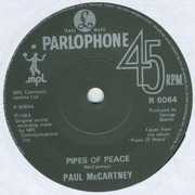 7'' - Paul McCartney - Pipes Of Peace - Solid centre