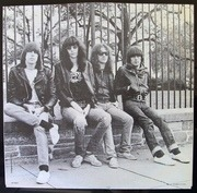 LP - Ramones - Leave Home