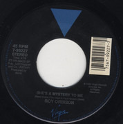 7inch Vinyl Single - Roy Orbison - She's A Mystery To Me