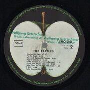 LP - The Beatles - White Album - Top Loader. No Inserts