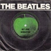 7inch Vinyl Single - The Beatles - Hey Jude / Revolution