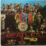 LP - The Beatles - Sgt. Pepper's Lonely Hearts Club Band - One boxed EMI + insert