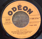 7inch Vinyl Single - The Beatles - She Loves You - Orange Labels, Small Characters