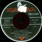 7'' - The Hollies - He Ain't Heavy - He's My Brother / 'Cos You Like To Love Me