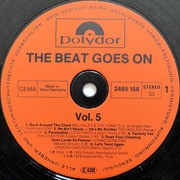 LP - Bill Haley, The Hollies, The Beatles a.o. - The Beat Goes On Vol. 5 (12 Original Oldies)