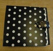 Protection - Vintage Schallplattenalbum - in schwarz-weißem Pünktchendesign, für 16 LPs