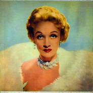 Marlene Dietrich - At The Cafe De Paris