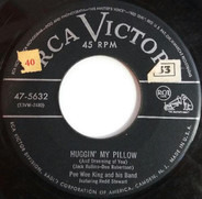 Pee Wee King & His Band Featuring Redd Stewart - Huggin My Pillow / Why Don't Y'All Go Home
