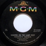 Herman's Hermits - Leaning On The Lamp Post / Hold On!