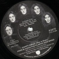 John Lennon & Yoko Ono And The Plastic Ono Band With The Harlem Community Choir - HAPPY XMAS (WAR IS OVER)