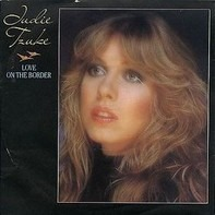 Judie Tzuke - Love On The Border
