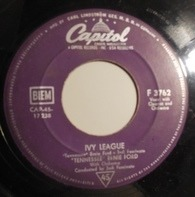 Tennessee Ernie Ford - In The Middle Of An Island / Ivy League