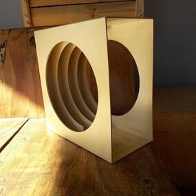 LP-Box, 70er Jahre - in weiß, für ca. 40 LPs, mit Mittelloch
