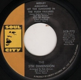 Fifth Dimension - Medley: Aquarius / Let The Sunshine In / The Flesh Failures