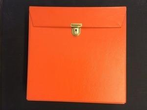 Vintage Schallplattenalbum - in orange, für ca. 30 LPs