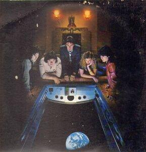 Paul McCartney & Wings - Back To The Egg