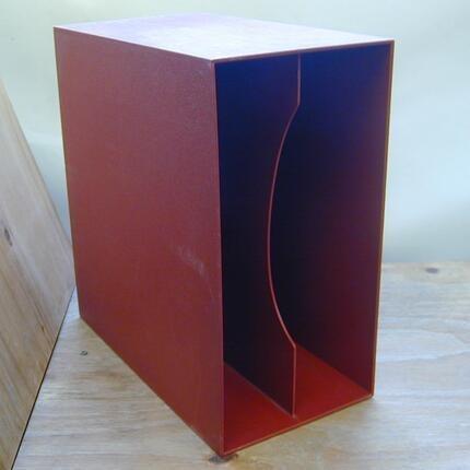 #<Artist:0x00007f60c2164d40> - in dunkelrot, für ca. 40 LPs