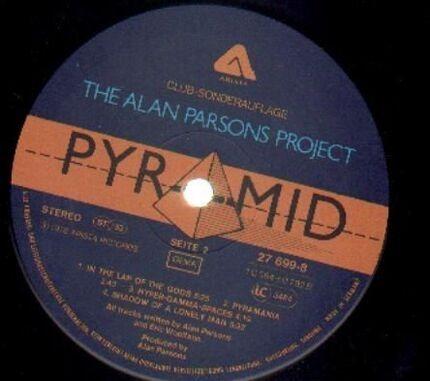 #<Artist:0x00007fcee1ca5578> - Pyramid