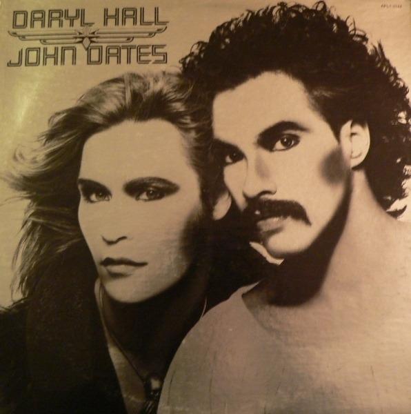 #<Artist:0x00007fd90153bad8> - Daryl Hall & John Oates